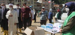 Diyanet İşleri Başkanı Ali Erbaş Giresun'daki selde en fazla zarar gören Dereli ilçesinde incelemelerde bulundu