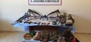 Bitlis'te 2 kalaşnikof, 4 av tüfeği ve 1'er adet havalı tüfek ile tabanca ele geçirildi