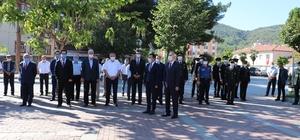 Taşova'da sosyal mesafeli, maskeli 30 Ağustos töreni