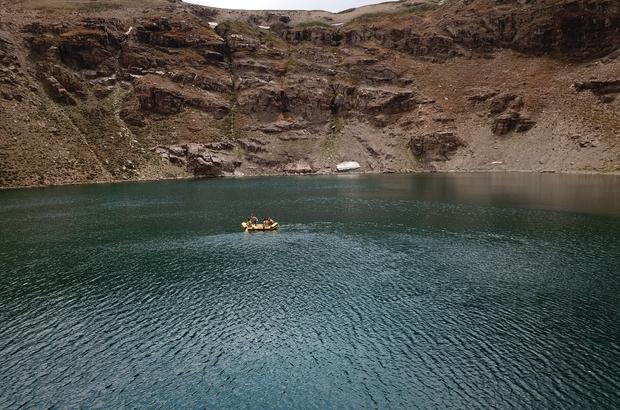 3 bin rakımda rafting keyfi Yarışmalara doğal gölde hazırlanıyorlar