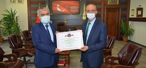 KAEÜ'si 4 birimine eğitimde erişim ödülü verildi