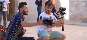 Mahallede çaycılık yapan Mardinli genç, kendini geliştirerek film yönetmenliği yapıyor