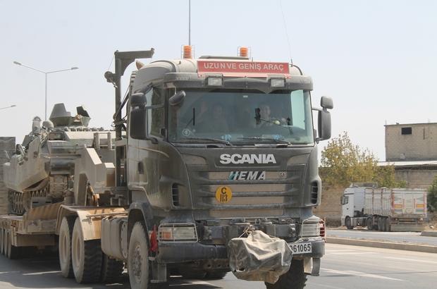 Tanklar, Suriye sınırından Yunanistan sınırına kaydırılıyor Hatay'ın Reyhanlı ve Kumlu ilçelerinden iki ayrı tank konvoyu Edirne'ye hareket etti