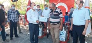 Iğdır Karakoyunlu ilçesinde çiftçilere seyyar süt sağım makinesi dağıtıldı