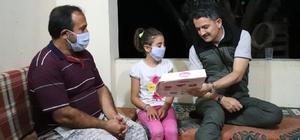 Bakan Pakdemirli, 48 saattir Hatay'da yangın nöbetinde Tarım ve Orman Bakanı Bekir Pakdemirli, bölgede yaşayan vatandaşları ve alanda görevli yangın söndürme, sağlık ve emniyet personellerini de ziyaret edip minnettar olduklarını ifade etti