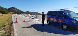 Denizli'nin 2 mahallesinde korona virüs karantinası Denizli'nin Çardak ilçesinde 2 mahalle karantinaya alındı