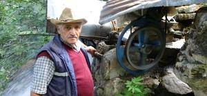 İlkokul mezunu tır şoförü yaptıkları ile mühendisleri aratmıyor Trabzon'un Çaykara ilçesinde yaşayan 64 yaşındaki Salih Onat evinin elektriği için yaptığı müracaatlardan sonuç alamayınca kendi elektriğini kendi üretti