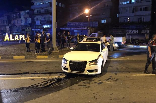 İki aracın çarpıştığı kazadan yara almadan kurtuldular