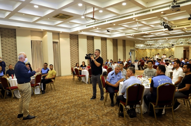 """Gültak: """"Akdeniz'i değiştirip dönüştüren hizmet ve projelere imza atıyoruz"""" Akdeniz Belediye Başkanı Mustafa Gültak, Zabıta Teşkilatının kuruluşunun 194'üncü yıldönümü dolayısıyla zabıta memurlarıyla bir araya geldi"""