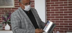 """Elazığ'da okul çatısında bulunan ABD'nin 50 yıl önce gönderdiği yağların analizi yapıldı Ağın Belediye Başkanı Ali Uslu: """"50 sene boyuna yağlar çatıda kaldığından ve kutuların metal yapıldığından dolayı bu şekilde bir kurşun tespit edilmiş"""" """"Bir kısmının bitkisel, bir kısmının süt yağı harici yağ ihtiva eden hayvansal yağlar olduğu tespit edildi"""""""