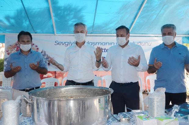 Kuşadası Belediyesi'den 6 bin kişiye aşure ikramı