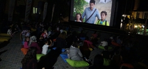 Köyde yaşayan çocuklar sinema keyfini açık havada yaşadı 8. Sinemasal Film Festivali Safranbolu ile devam ediyor