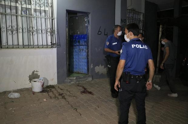 Dini nikahlı karısını pompalı tüfekle vurdu Adana'da 4 ay önce dini nikah yoluyla evlendiği eşi tarafından pompalı tüfekle vurulan kadın ağır yaralandı