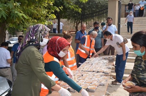 Kozan'da 2 bin kişilik aşure ikramı