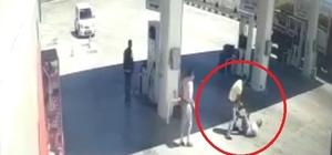 Akaryakıtçı terörü kamerada Akaryakıt istasyonunda denetim yapan 'gelir uzmanı' darp edildi