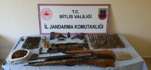 Bitlis'te silah ve mühimmat ele geçirildi