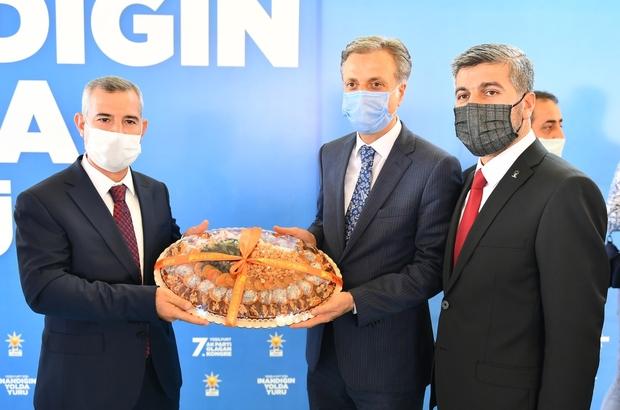 AK Parti Yeşilyurt'da Yalçınkaya güven tazeledi