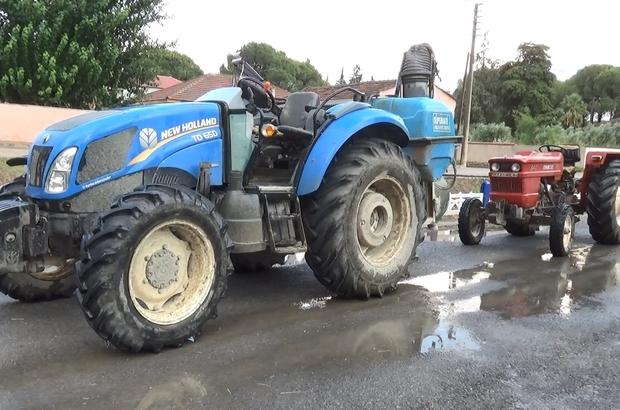 Manisa'da çalınan 2 traktörü jandarma 1 haftada buldu Jandarma çalınan traktörleri çiftlikte buldu Çiftçiler çalınan traktörlerine kavuştu