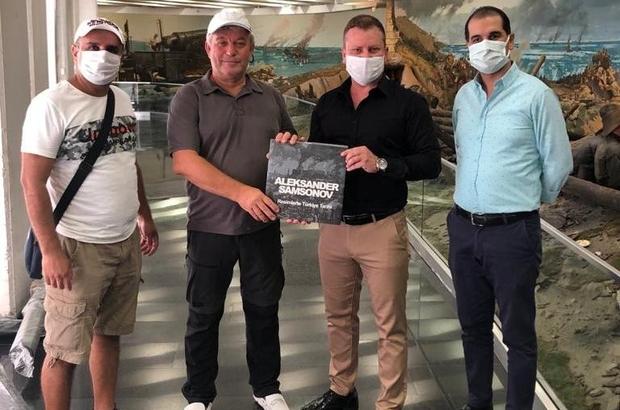 Rus sanatçı Çanakkale Şehitleri Anıtı için Manisa'da