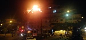5 katlı binanın çatı katı yandı: 2 kişi dumandan etkilendi