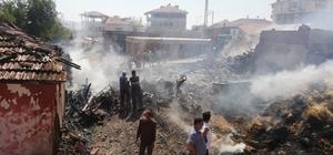 Bayat'ta çıkan yangında 1 ev, samanlık ve ahır yandı Yangın esnasında ahırda bulunan 10 buzağı telef oldu