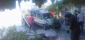 Trafik kazası güvenlik kamerasına yansıdı Hatay'da market sahibi üzerine gelen aracı korna sesi sayesinde fark etti