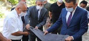 Siirt Valisi Hacıbektaşoğlu, Eruh'ta şal-şapik atölyesini gezdi