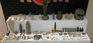 Hatay ve Şanlıurfa'da bin 234 parça tarihi eser ele geçirildi Evlerini müzeye çevirmişler