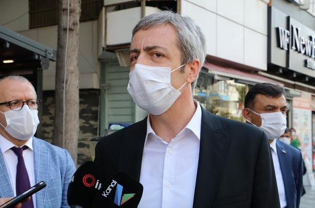 """Antalya'da ev karantinasına uymayan 15 kişi yurtlara yerleştirildi Antalya Vali Yardımcısı Nurettin Ateş: """"Bu sabah itibariyle 3'ü kadın, 15 kişi yurtlarda bulunuyor. Bu daha da artabilir"""" """"Maske takılması genel olarak her yerde geçerli olan bir kural"""""""