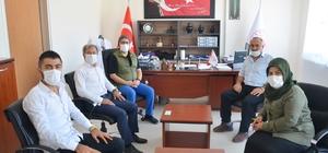 """Şehit ailesinden Başhekim Dr. Canbay'a ziyaret El Bab'da şehit olan Melih Özcan'ın babası Mehmet Özcan; """"İlce Devlet Hastanesi'ne şehit evladımızın adının verilmesinden memnuniyet duyduk"""" """"Biz çok asil bir milletiz, diğer oğlum Ramazan'ım da bu vatana feda olsun"""""""