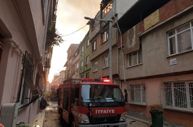 Bursa'da salça yaparken ev küle döndü Salça yaptıkları sırada ahşap ev alevlere teslim oldu
