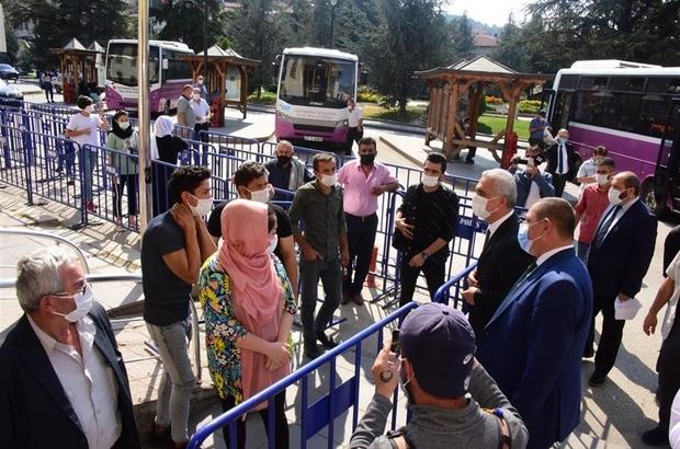 """Validen PTT çalışanlarına maske ve sosyal mesafe ikazı Tedbirleri yetersiz gören Vali Avni Çakır, PTT Şubesini uyardı: """"Bizleri, kurumlara ceza yazmak zorunda bırakmayın"""""""