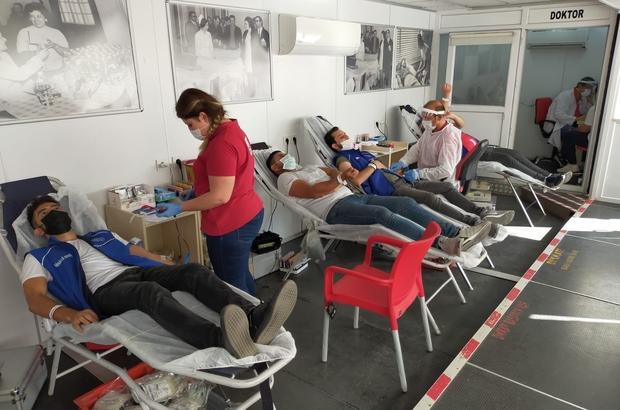 Kırşehir'de, gençler gönüllü kan bağışı kampanyasına destek sunuyor