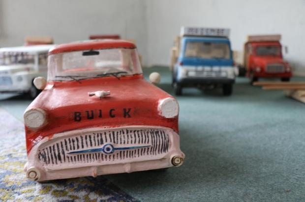 Hobi olarak başladı, göreni hayran bırakıyor Koronavirüs sürecinde evde kalan 71'lik Durmuş Katırcı, nostaljik araçlarla koleksiyon yaptı