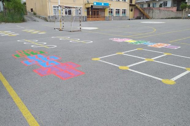 Geleneksel sokak oyunları okul bahçelerine taşınıyor