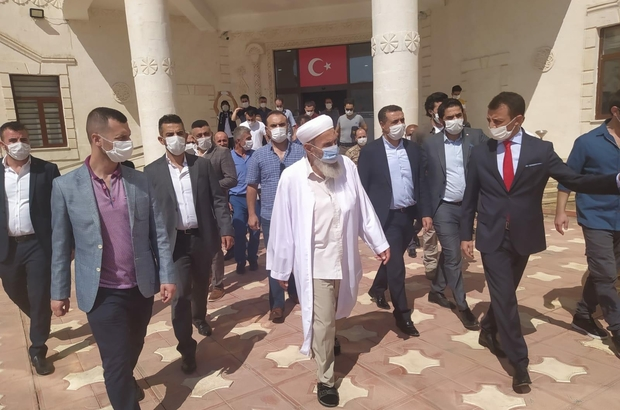 Şehit Kaymakam Safitürk'ün duruşması Derik'te görüldü Şehit kaymakamın babası ve ağabeyi, duruşmanın ardından Derik Kaymakamlığını ziyaret etti