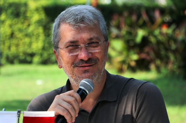 """Bayram Akgül: """"Fatih hocanın lisansla ilgili problem vardı, onu çözemedik"""" Adanaspor Kulübü Başkanı Bayram Akgül: """"Benim çocuklara idman yaptıracak saham yok"""" """"Bu şehrin çocukları idman yapamıyor"""""""