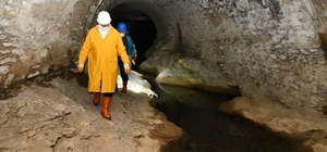 Safranbolu'nun altından bir şehir daha doğuyor UNESCO Dünya Miras Listesi'ndeki Safranbolu'da 375 yıl önce atık su ve kanalizasyon işlevi görmesi amacıyla yapılan yer altı tünelleri restore edilerek turizme kazandırılacak