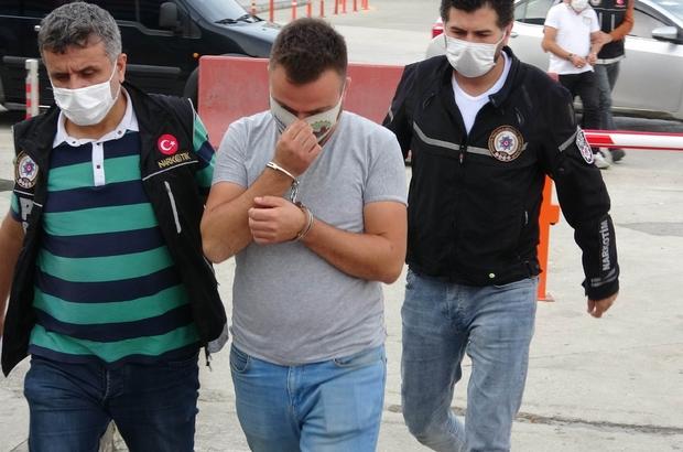 Sokak satıcılarına şafak vakti operasyon: 11 gözaltı
