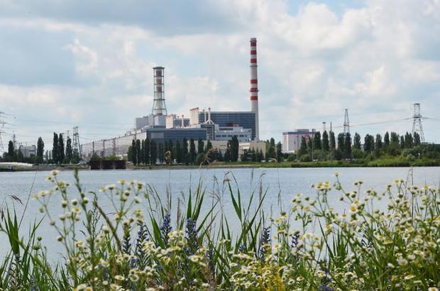 """Prof. Dr. Çolak: """"Karbon emisyonunu nötrleme konusunda nükleer enerjiye önemli görev düşüyor"""" İklim değişikliği, dünya genelinde başta kuraklık olmak üzere her geçen gün olumsuz etkilerini daha da artırarak küresel bir tehdit haline gelirken, ülkeler bu tehdidin önüne geçebilmek için yeni kararlar alıyorlar"""
