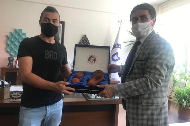 Başkan İnal'dan, yarışmada derece alan Ertürk'e ziyaret