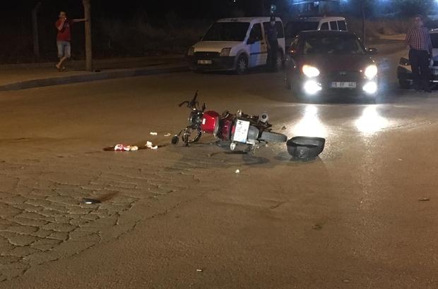 Sürücünün bahtsızı gidip polise çarptı Ehliyetsiz sürücünün polis aracına çarptığı anlar güvenlik kameralarına yansıdı