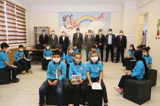 Ulaş'ta Drama Atölyesi oluşturuldu Sivas İl Milli Eğitim Müdürlüğünce yürütülen Sanat Sivas Projesi kapsamında Ulaş İlkokulunda Drama Atölyesi oluşturuldu.