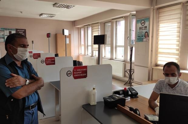 Erciş'te kimlik kartına ehliyet bilgilerinin yüklenmesine başlandı