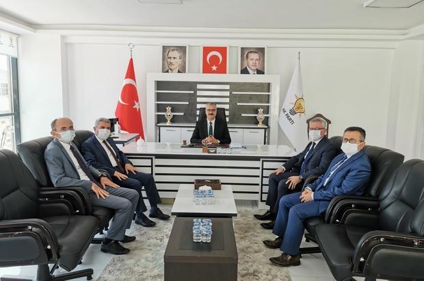 """Milli Eğitim Müdürü Sarı'dan AK Parti İl Başkanlığı'na ziyaret AK Parti Çorum İl Başkanı Yusuf Ahlatcı; """"En büyük yatırım eğitime yapılan yatırımdır"""""""