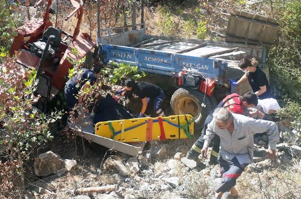 Kavaklıdere'de kaza: 1 ölü Muğla'nın Kavaklıdere ilçesinde şarampole uçan traktörde yolcu olarak bulunan 11 yaşındaki Kevser Kartal yaşamını yitirdi.