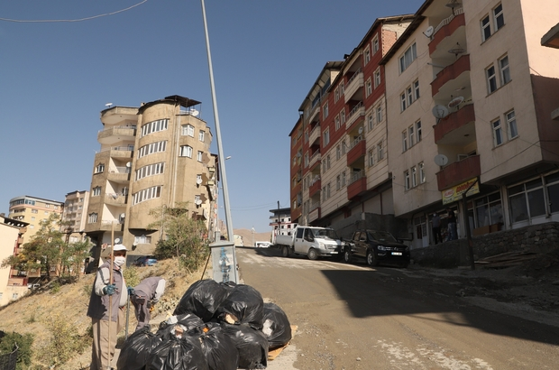 Bina sahiplerinin atağı bir ton çöp toplandı