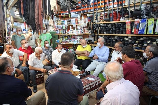 """Gültak, Zafer Çarşısı esnafını ziyaret etti Akdeniz Belediye Başkanı Mustafa Gültak: """"Kent merkezinin de değişime ayak uydurması lazım"""""""