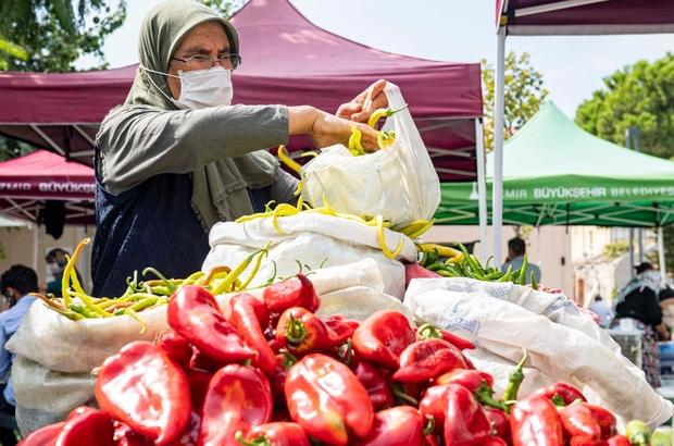 Buca'da Halkın Bakkalı ve üretici pazarı bir arada