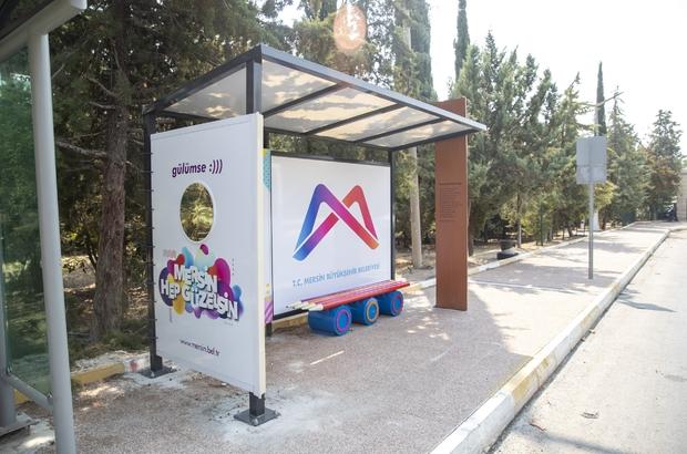 Mersin'de temalı otobüs durağı dönemi